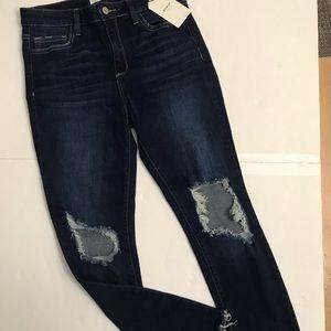 Cello distressed dark Jeans size 9 stretchy,skinny
